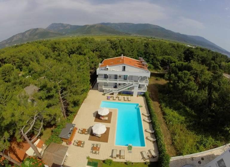 Kazaviti Hotel, Skala Prinos