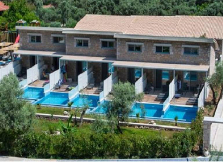 Kastro Maisonettes With Private Pool, Agios Ioannis