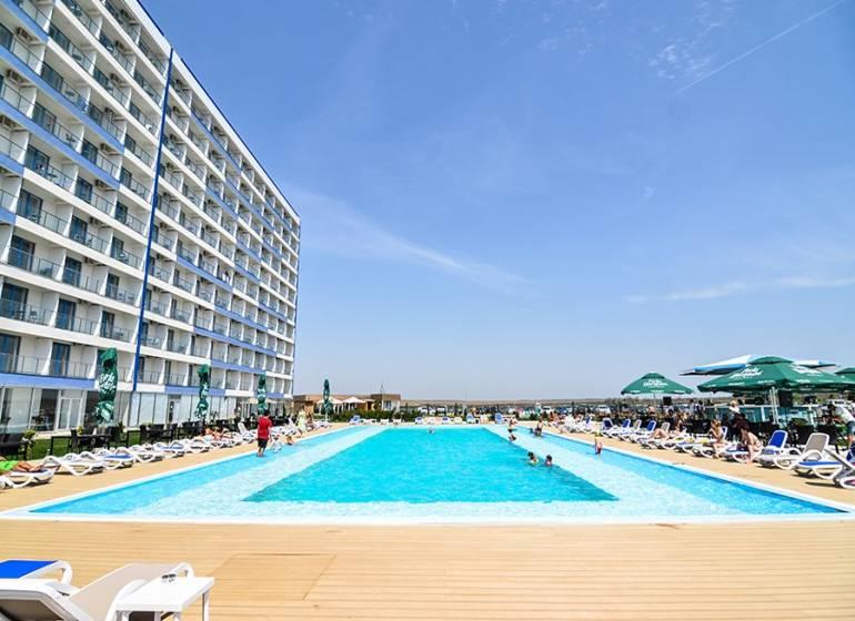 Blaxy Premium Resort,Romania / Olimp